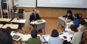 英語講座は,1人1台のiPadを使った少人数のクラスです。鹿児島にもこんな英語教室があるんです。